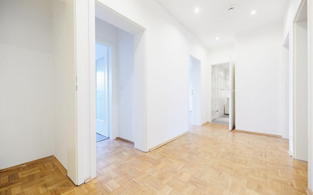 + Neu zum Verkauf: Toller Schnitt  – Balkon – Garten – Garagen +